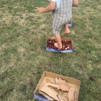 Baby activity: parcours sensoriel pieds nus